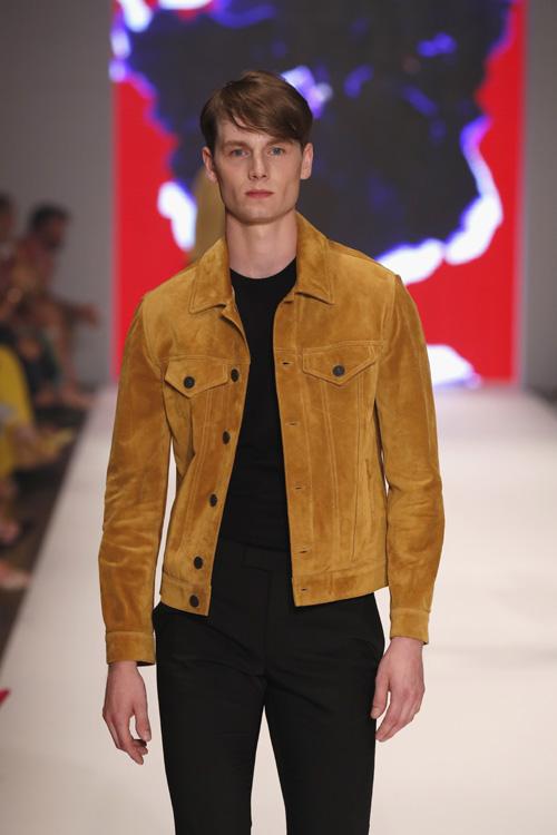"""Helge für Breuninger Platform Fashion Laufsteg-Show; Foto: Sebastian Reuter, Getty Images für Platform Fashion                      Normal    0          21          false    false    false       DE    X-NONE    X-NONE                                                                                                                                                                                                                                                                                                                                                                                                                                                                                                                                                                                                                                                                                                                                                                                                                                                                                                                                                                                                                                                                                                                                                                                                                                                                  /* Style Definitions */  table.MsoNormalTable {mso-style-name:""""Normale Tabelle""""; mso-tstyle-rowband-size:0; mso-tstyle-colband-size:0; mso-style-noshow:yes; mso-style-priority:99; mso-style-parent:""""""""; mso-padding-alt:0cm 5.4pt 0cm 5.4pt; mso-para-margin-top:0cm; mso-para-margin-right:0cm; mso-para-margin-bottom:8.0pt; mso-para-margin-left:0cm; line-height:107%; mso-pagination:widow-orphan; font-size:11.0pt; font-family:""""Calibri"""",sans-serif; mso-ascii-font-family:Calibri; mso-ascii-theme-font:minor-latin; mso-hansi-font-family:Calibri; mso-hansi-theme-font:min"""