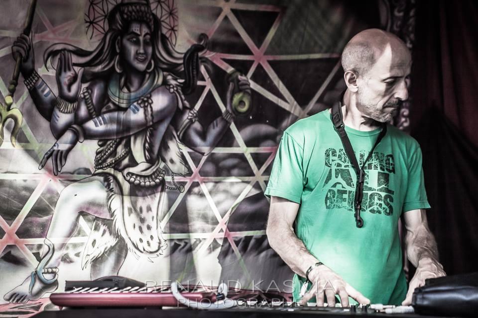 Kola Papass - Space Gathering 2016 - Renaud Kasma - John Piano.jpg