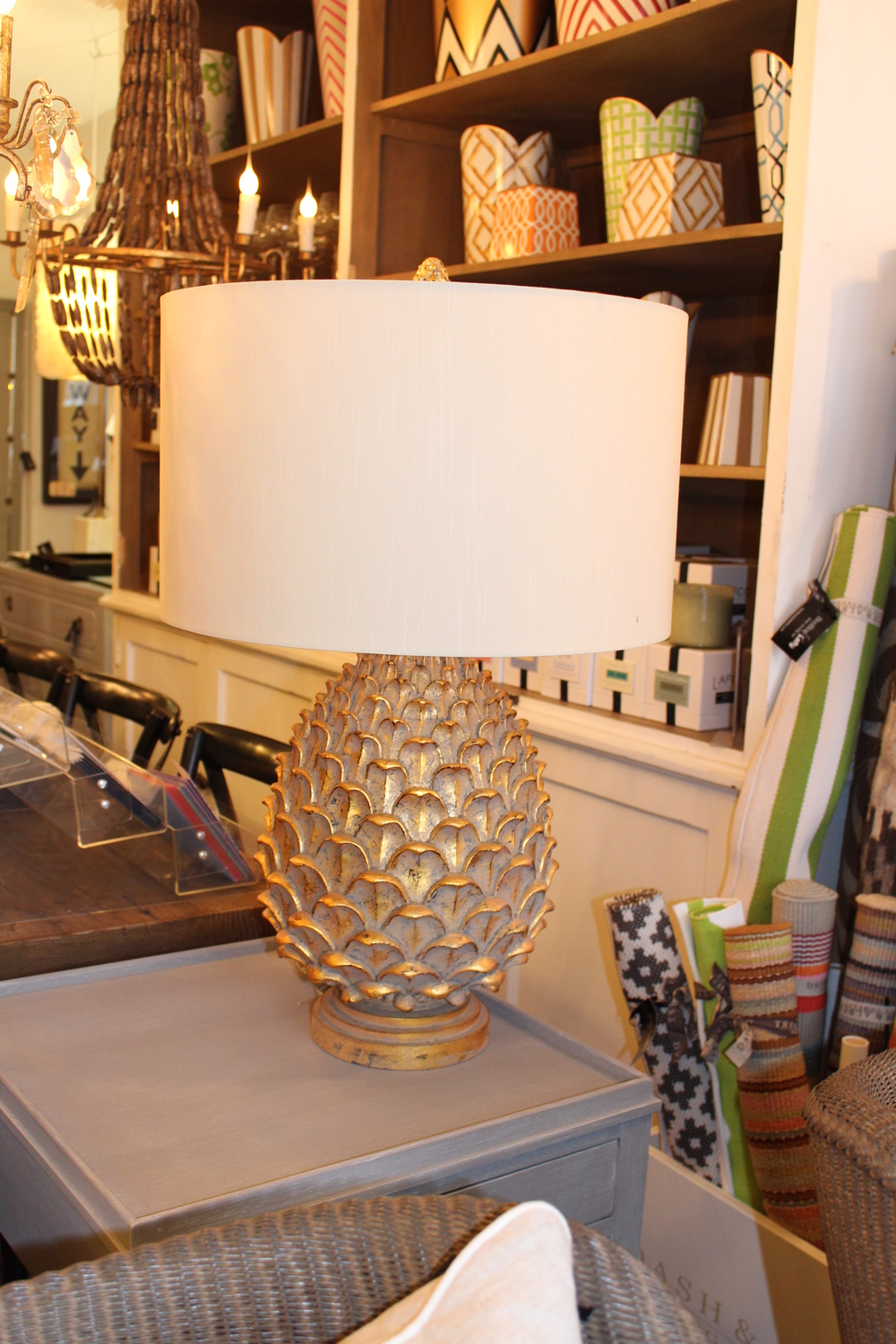 ANTIQUE GOLD LEAF PINEAPPLE LAMP