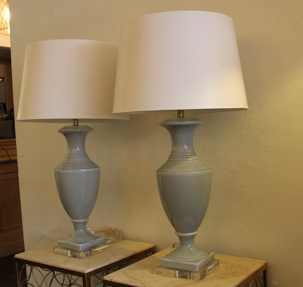 TIMELESS TABLE LAMPS IN BLUE