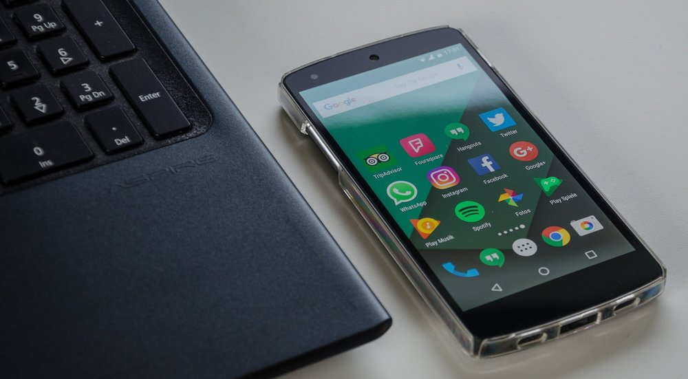 Manufacturers use cell phones for mobile search.