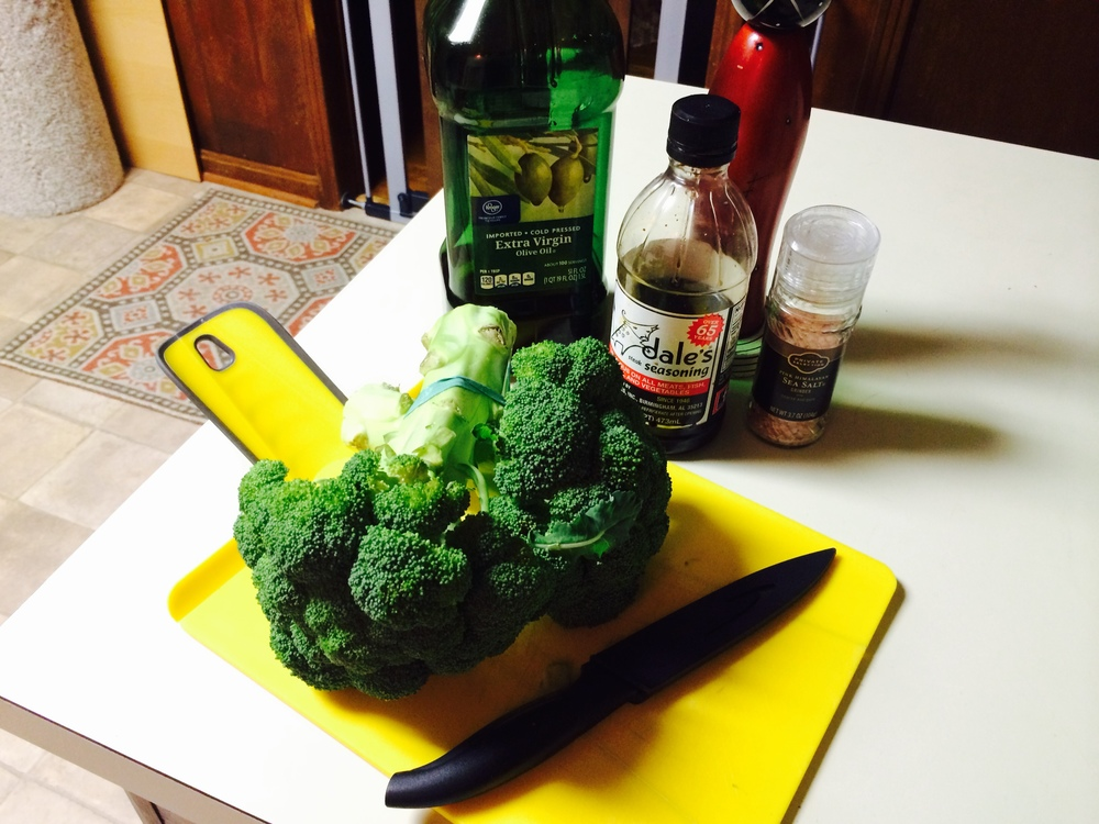 Baked Broccoli - The Peachy Pixel