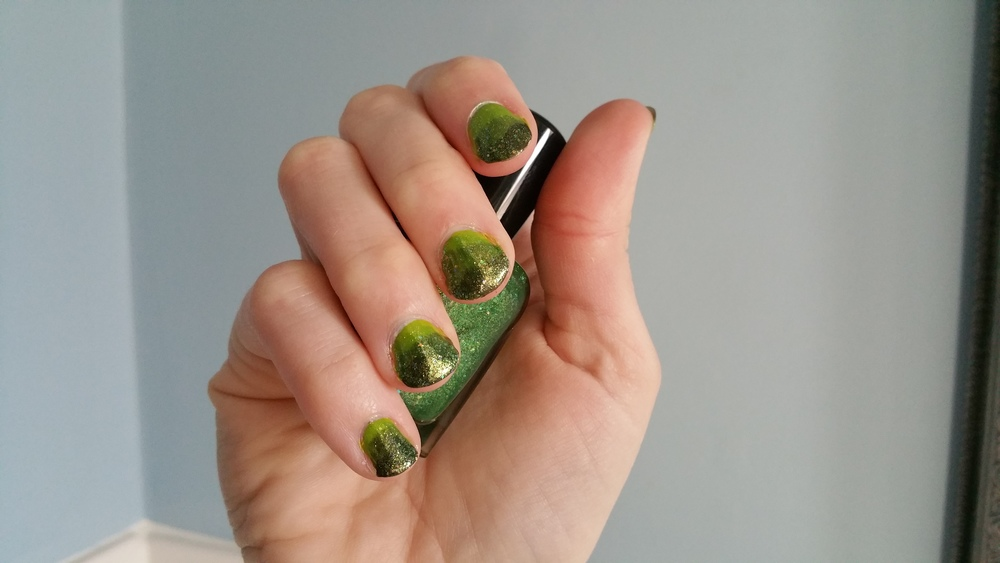 Video Game Nails: The Fade - The Peachy Pixel