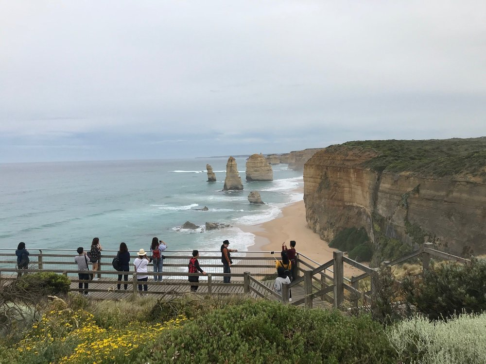 beating the crowds at 12 apostles.jpg