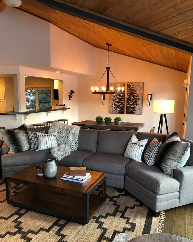 Our transformation at a beautiful Air B&B in Flagstaff! Swipe left to see the before photo! . . . . . #design #interiordesign #flagstaff #beforeandafter #furniture #beautiful #rethinkinteriors #scottsdale #airbandb