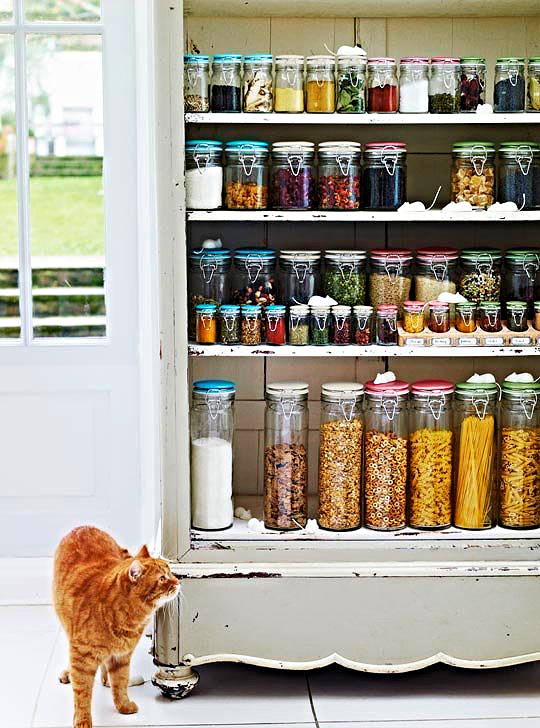That's one good-looking pantry.