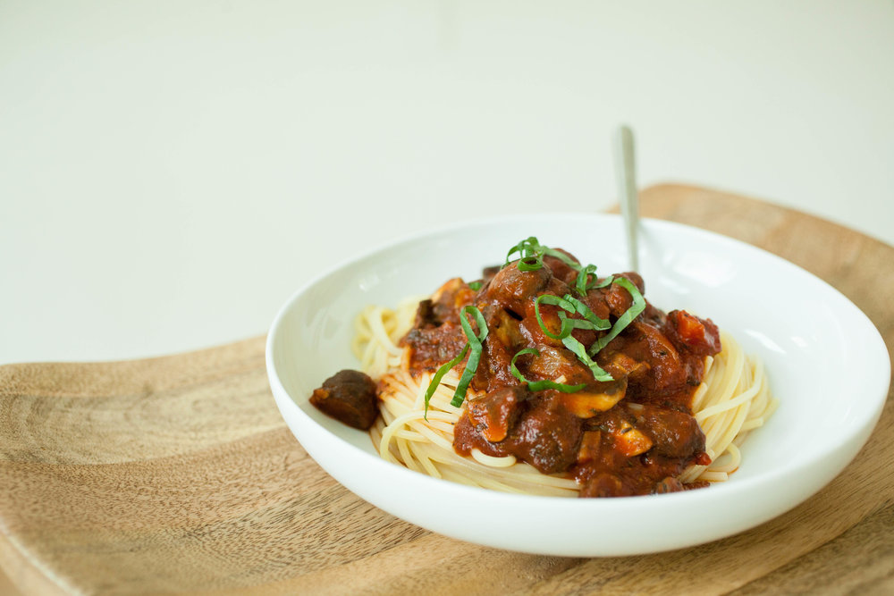 Produce On Parade - Easy Mushroom Spaghetti - This is a quick, delicious, and hearty spaghetti chock full of meaty mushrooms. The best part is this meal is ready before the pasta is even done cooking; a perfect weekday dish that's healthy and vegan!