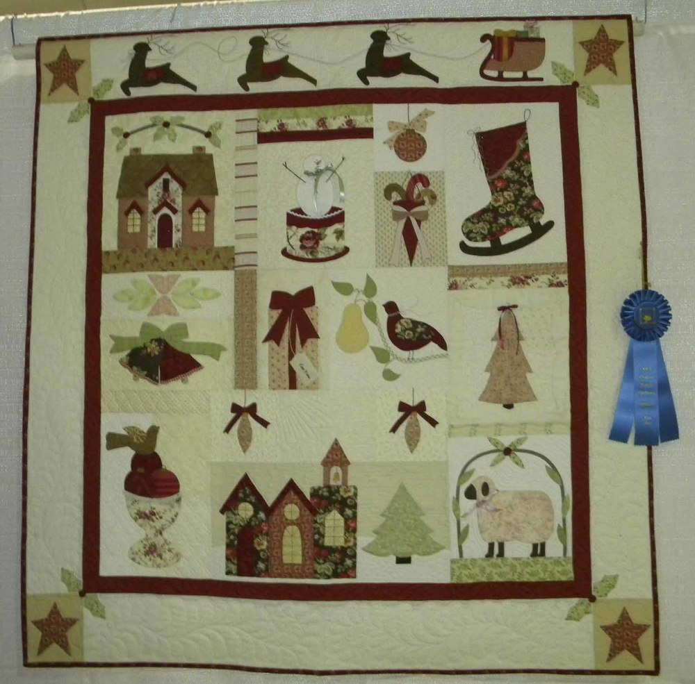 1st Prof Qlt Applique-Wall. A Vintage Christmas by Virginia Malcolm