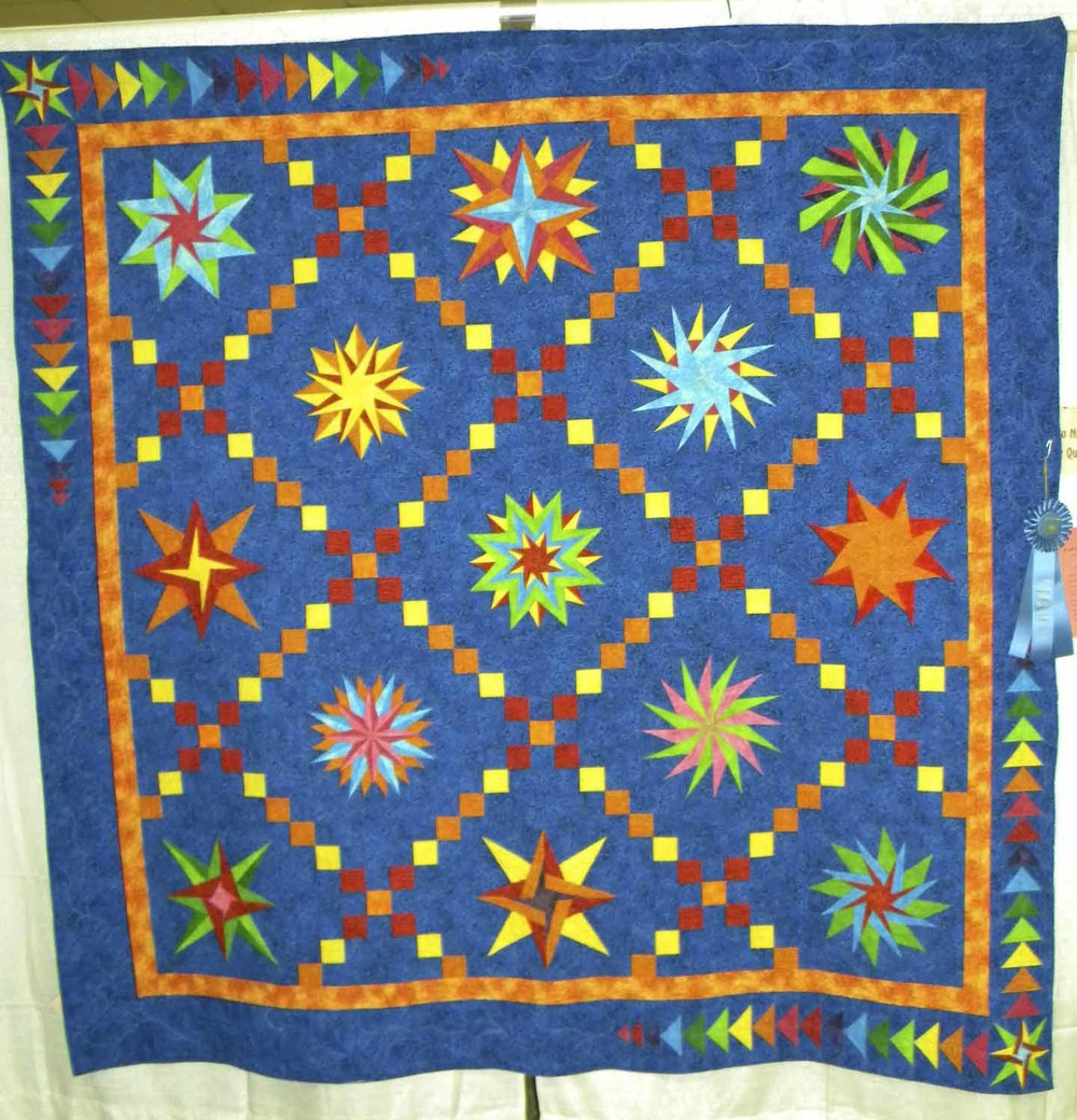 1st Prof Qlt Pieced-Large. Twinkles At Night by Linda Gilli