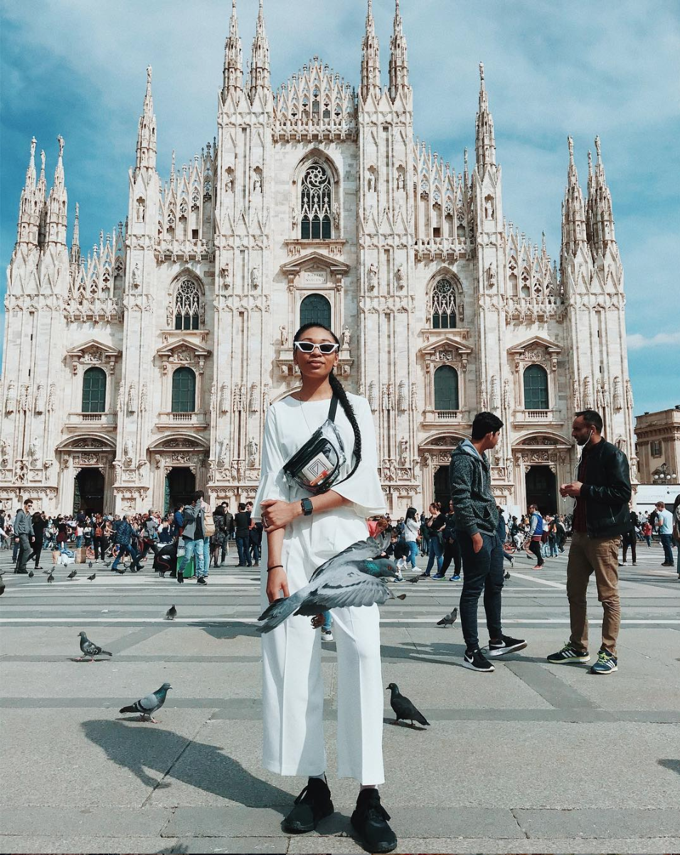Kibbee and a stylish pigeon in Milan
