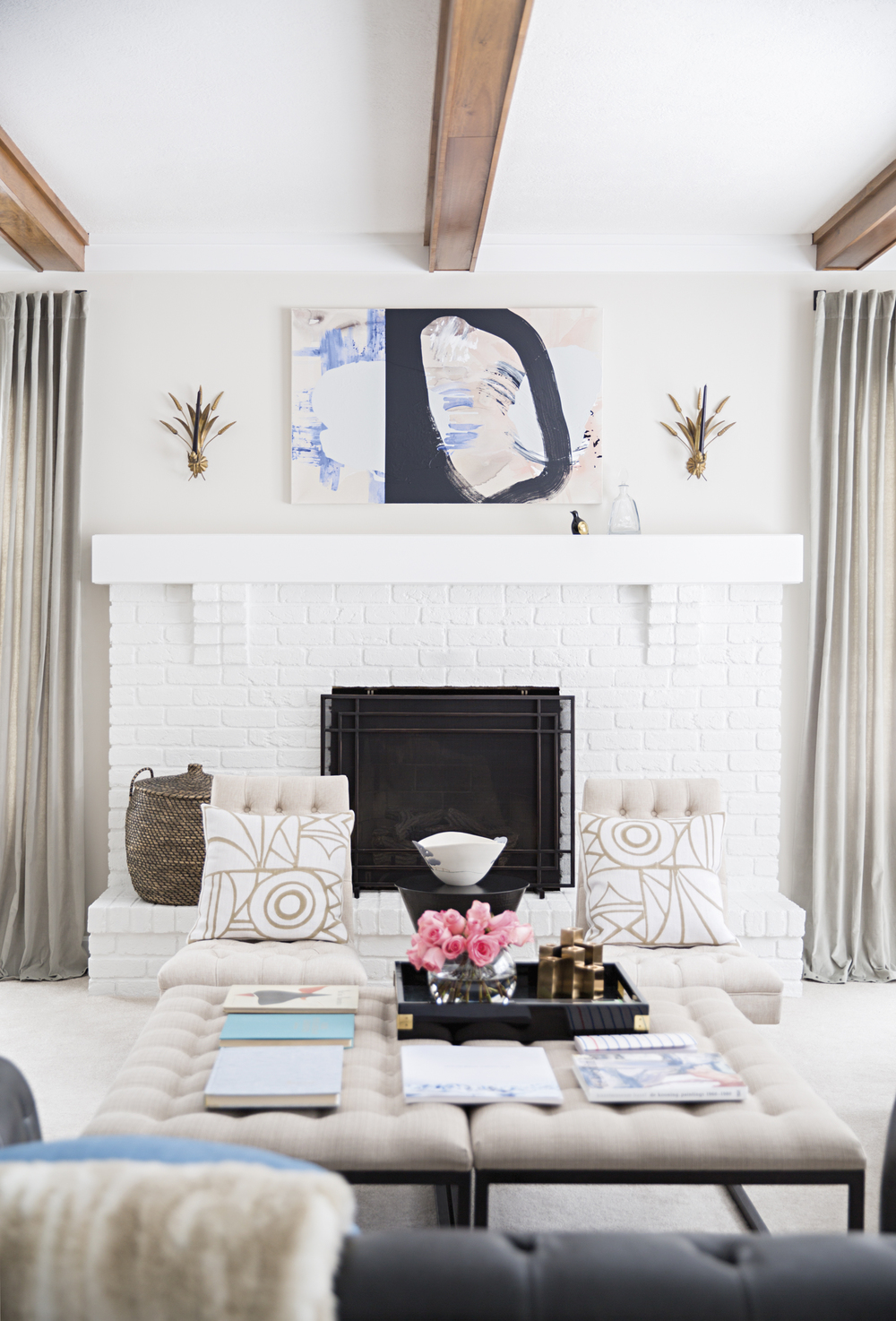Laura Naples' family room.  Photo: Brittany Ambridge for  Domino