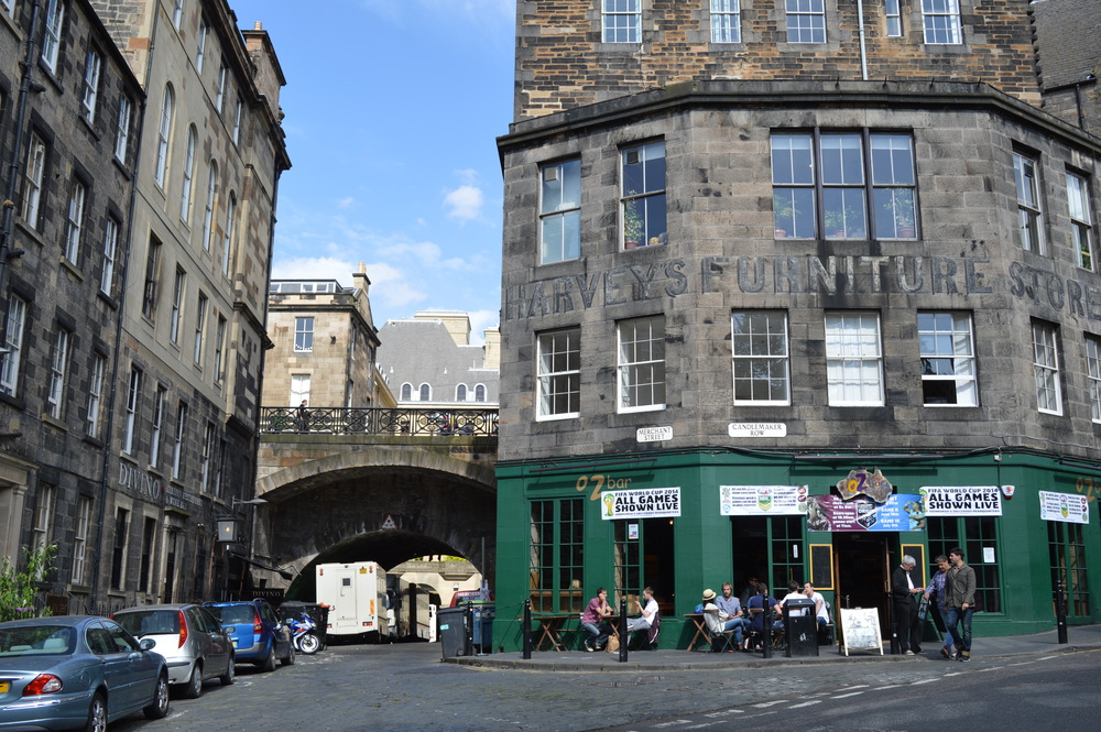 Another split-level street, on the way up to Greyfriars Church from the Grassmarket.
