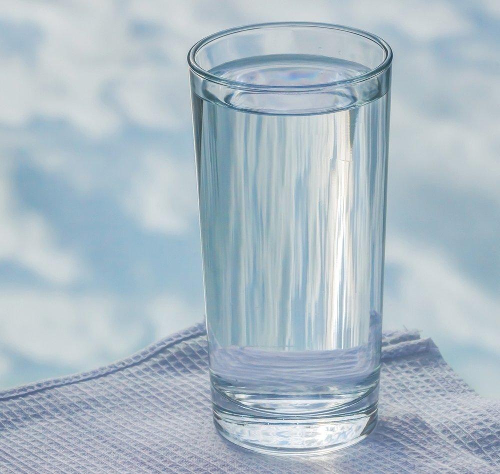 glass-2875091_1920.jpg