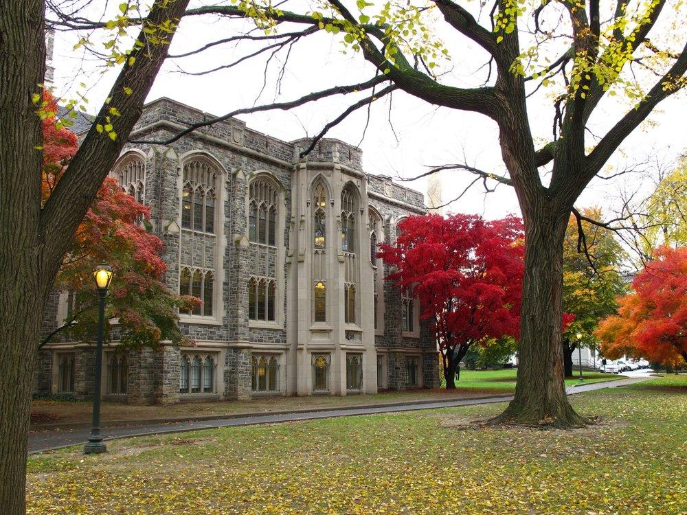 Fordham_University_Campus_fall_2010_(2) (1).jpg