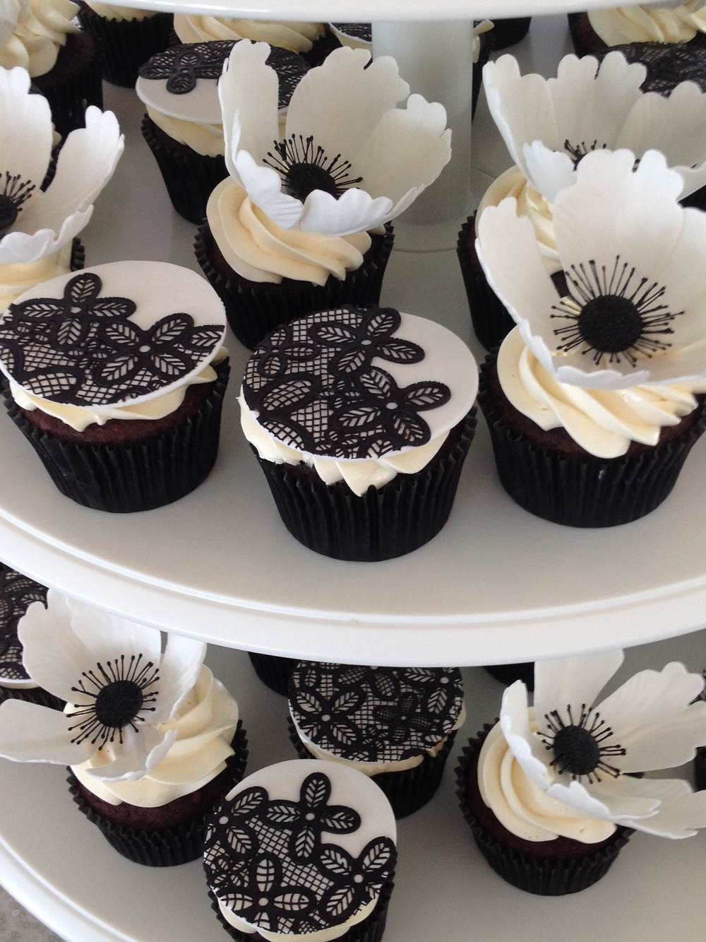 black and white cupcakes.JPG