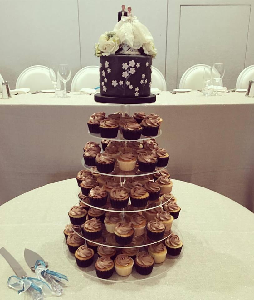 cupcake wedding.jpg