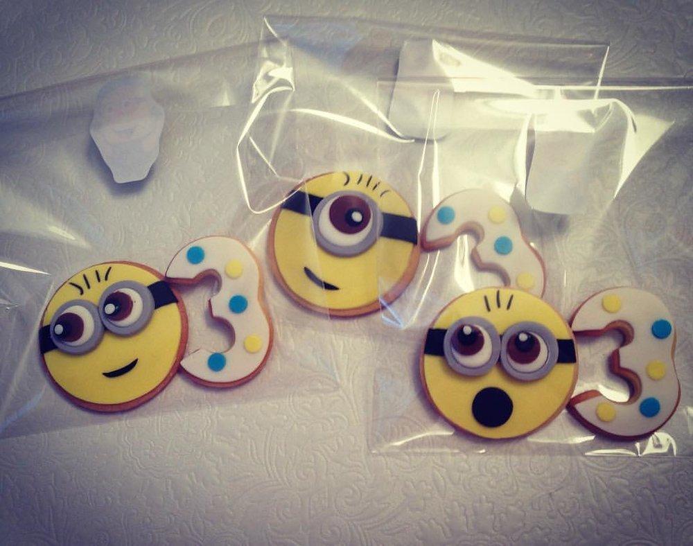 minion cookie.jpg