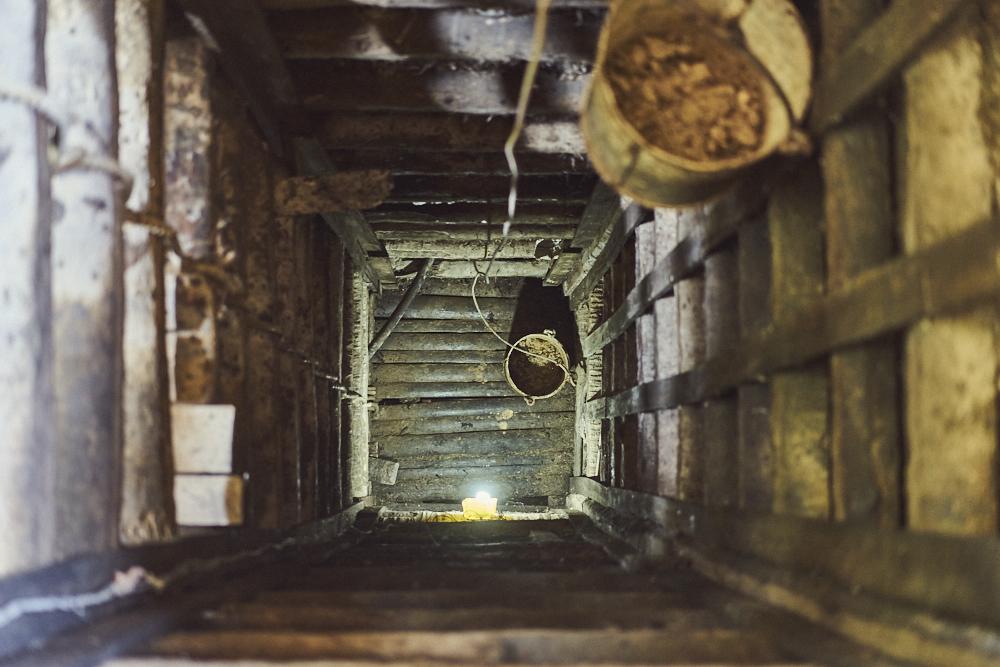Nun gut, es war natürlich auch mal Zeit eine übliche Touristentour zu machen.. Das Bild zeigt eine Miene in welcher nach Edelsteinen gesucht wird. Erinnert mich irgenwie an den Gotthard-Basistunnel welcher letztens eröffnet wurde. ;-)