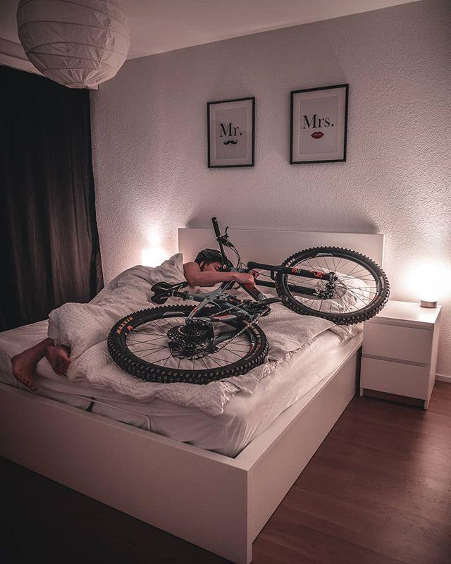🤫 pssst...! Me and her ❤️ _____________________________________ #macsArt #makelovenotwar #girl #girlfriend #happy #sleep #love #enduro #giant #fully #model #smile #bed #bedroom #bike #mountainbike #switzerland #fun #kuscheln #honey #photooftheday #instagood #mr #mrs #seeyouagain #sexy