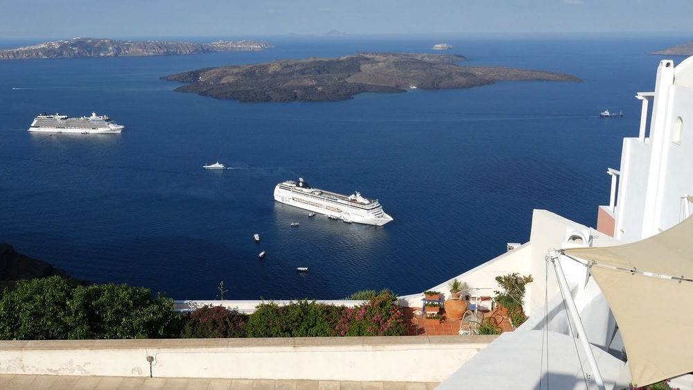 Greece Santorini Cruise Ship Below Garden Time Lapse◹