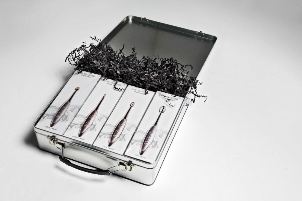 ARTIS_SMOKE_OPEN-BOX__9933_LAYERS-mw.jpg
