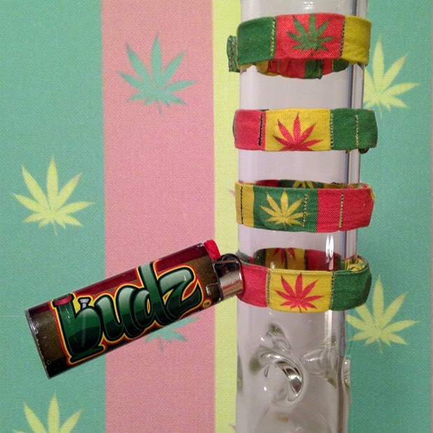 Happy 4/20 everyone. Don't miss out on our #bongbudz #sale going on right now #budz