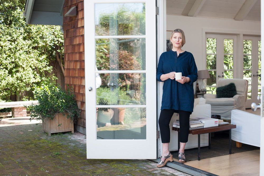 q a with julie carlson editor in chief of remodelista ronnie s