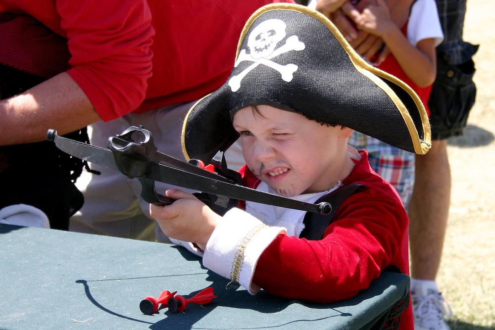 kid pistol bow Pirate Fest.jpg