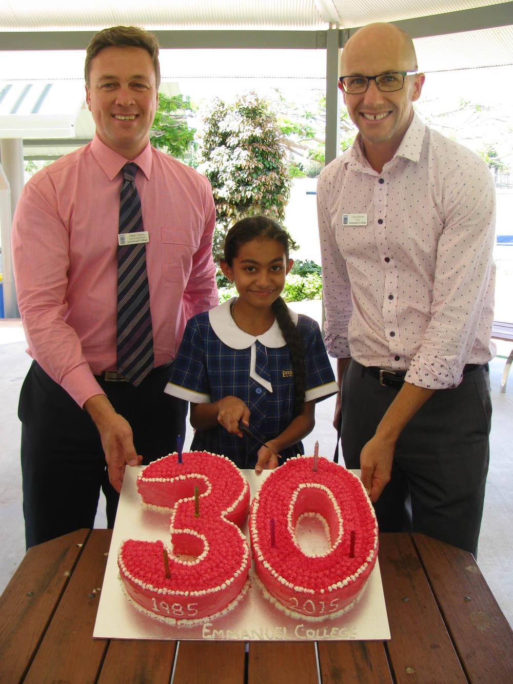 Emmanuel 30th Birthday - yr 5 Cake 021.JPG