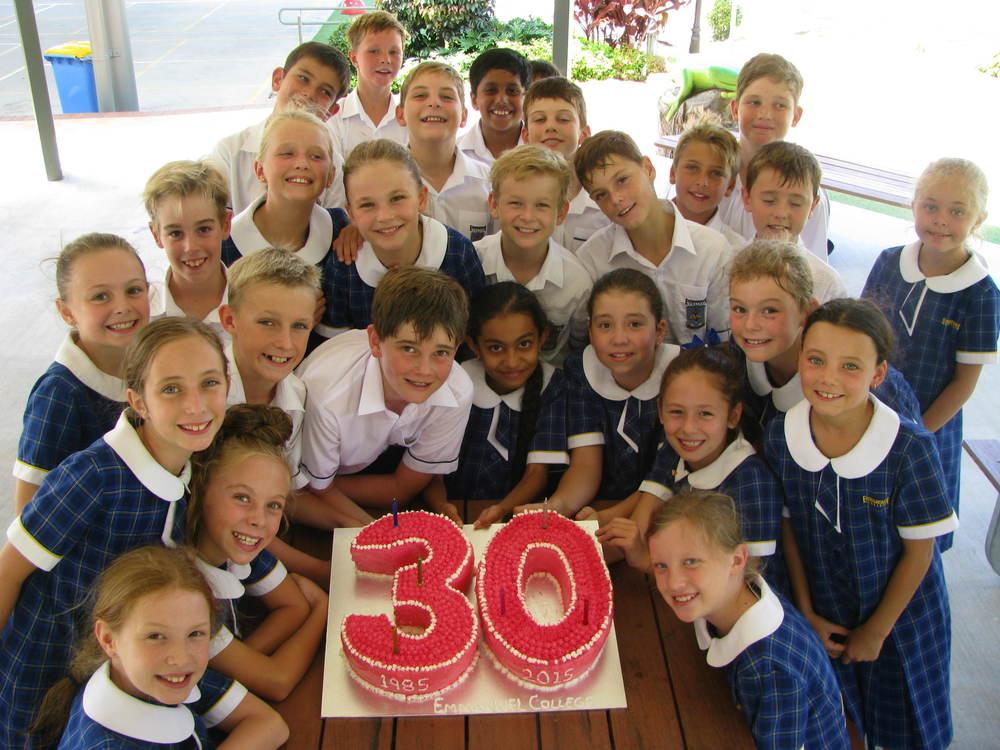 Emmanuel 30th Birthday - yr 5 Cake 014.JPG