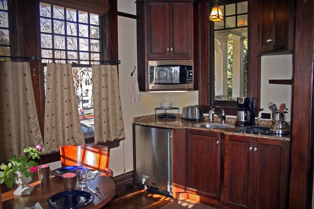 9-kitchenx.jpg