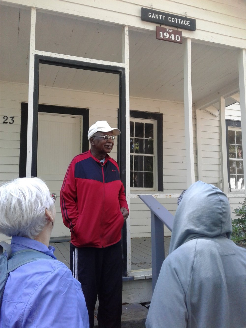 CC Tour of the Penn Center with Robert Middleton. Martin Luther King stayed at Gantt Cottage.