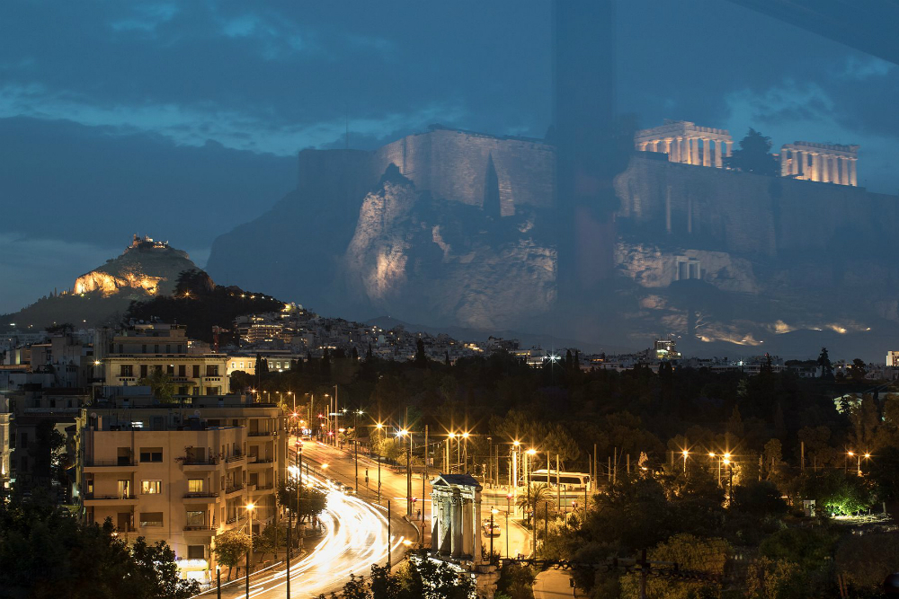 Night view of Athens 1000.jpg