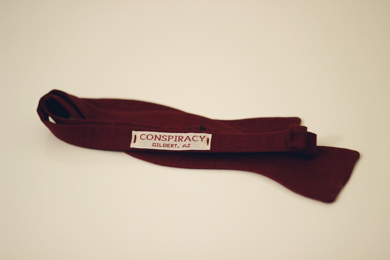 Woven labels finally came in. Now just waiting for packing and we can start shipping these bad boyys.     www.conspiracybowties.com