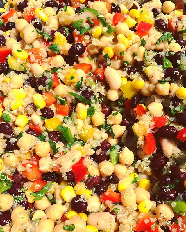 Happy Monday! Summertime foods are finally making their appearance! For me, that always means fast, fresh & affordable! Find the recipe for this Three Bean & Grilled Corn Salad with Quinoa at bakedbyburst.com! 🌽🌽🌽 #Stepyagameup #Beansbeansbeans #Quinoa #Corn #Plantbased #Plantstrong #Poweredbyplants #Plantpower #Protein #Vegainz #Vegan #Veganinspo #Vegansofig #Whatveganseat #Bestofvegan #Veganfoodshare #Getinmybelly #Tastetherainbow #Yummyinmytummy