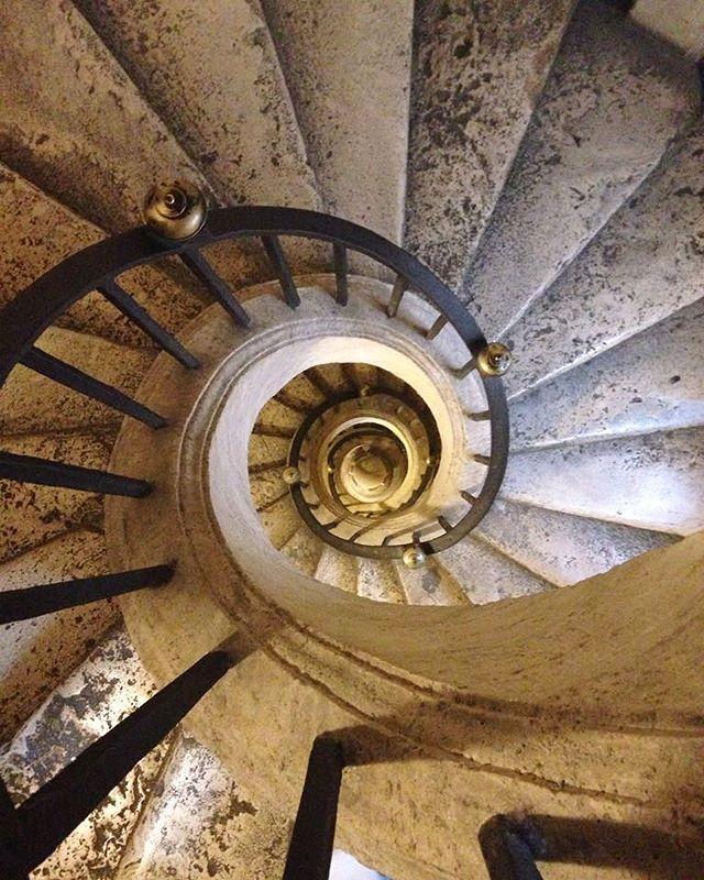 Nautilus architettonico. #stepbystep #saliescendi #sezioneaurea #romamor