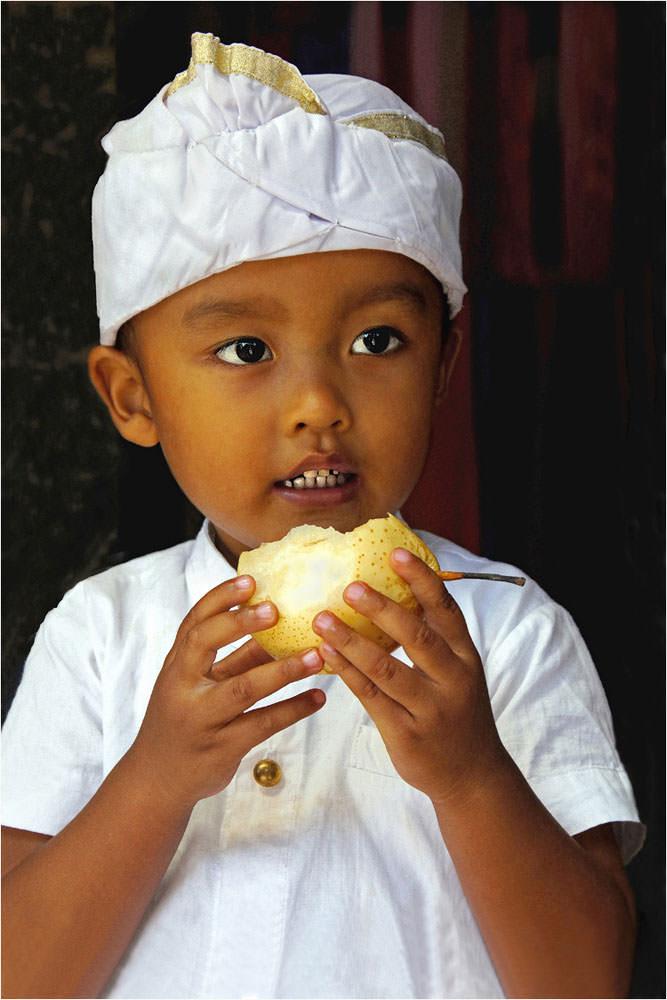 Little Pear Eater