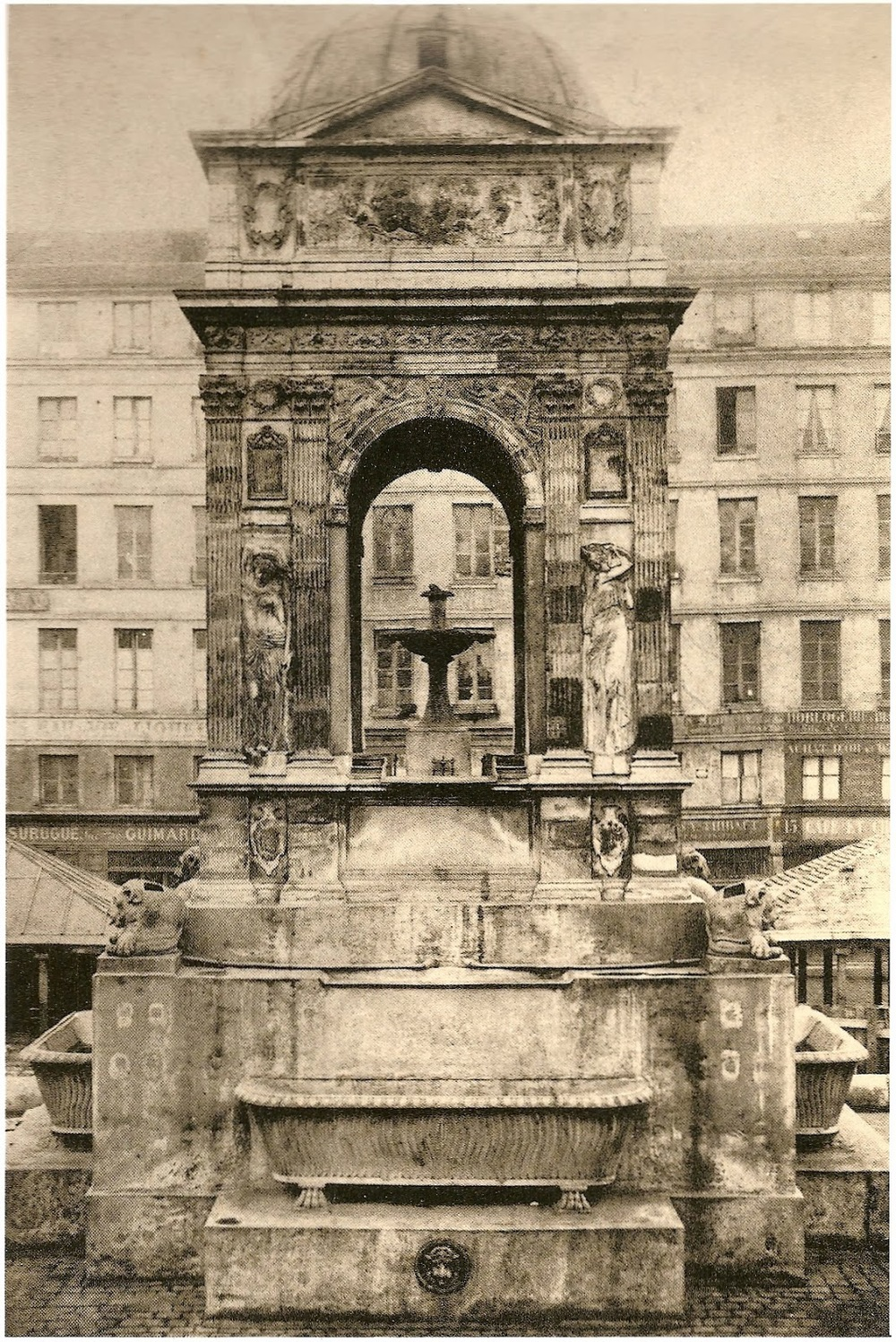 Fontaine_des_Innocents_1860_Charles_Marville.jpg