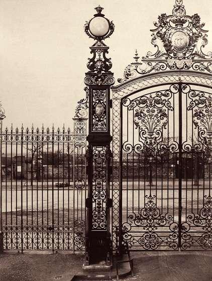 CharlesMarville+GlobeEnCristal-ParcMonceau+c1865-1869+LouvreMuseum.jpg