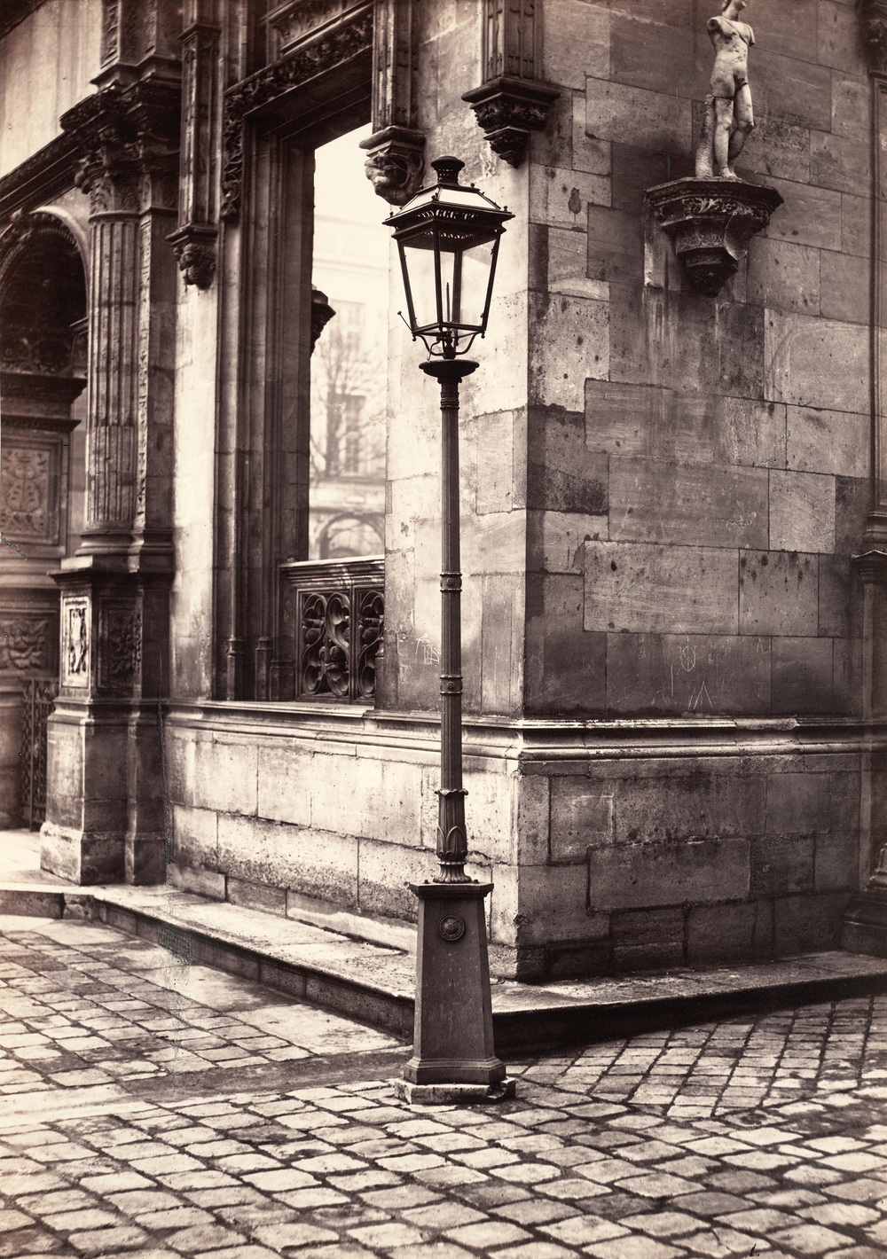 14-lamppost-entrance-to-the-c3a9cole-des-beaux-arts-ca-1870.jpg