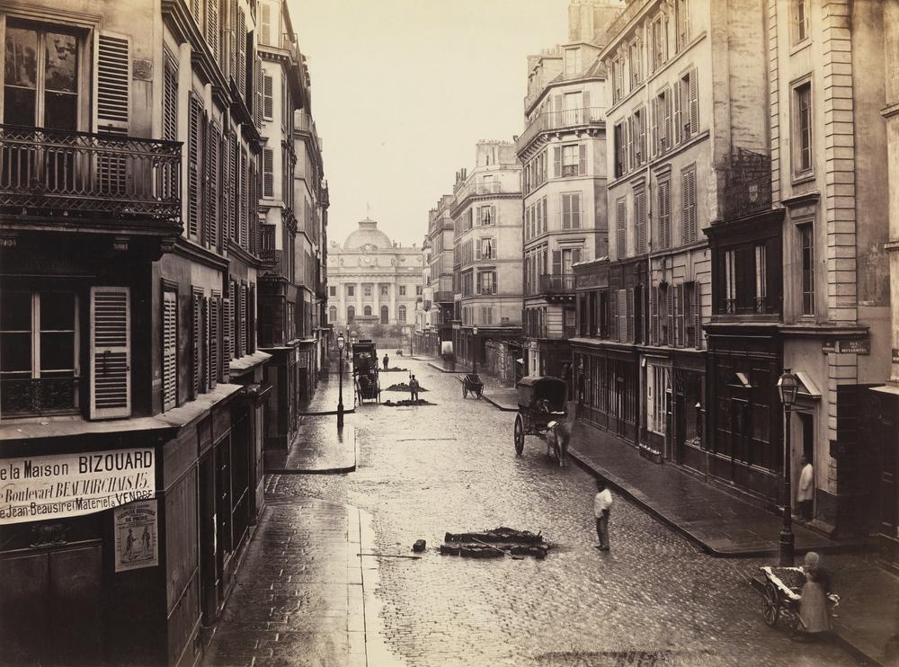 Rue_de_Constantine,_Paris,_by_Charles_Marville.JPG