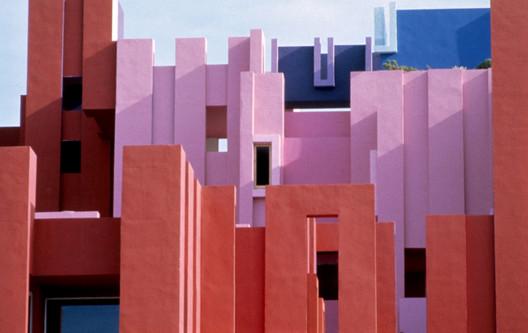 Ricardo_Bofill_Taller_de_Arquitectura_La_Muralla_Roja_Calpe_Spain_(18).jpg