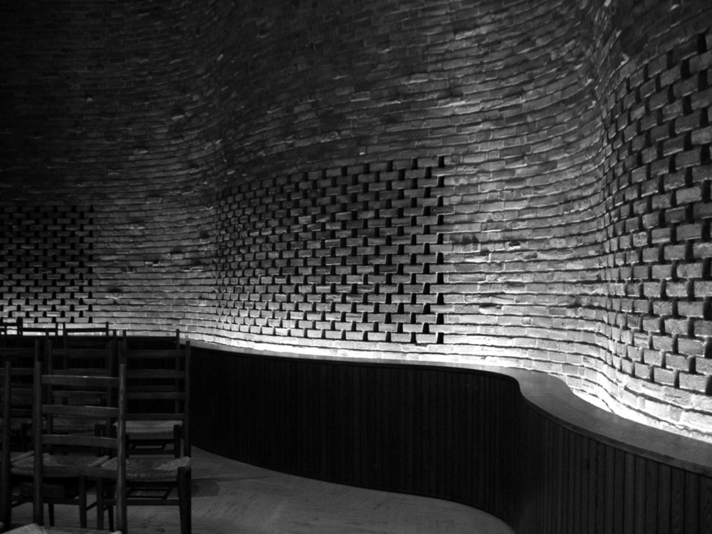 foxe-08-chapel-lighting-bw.jpg
