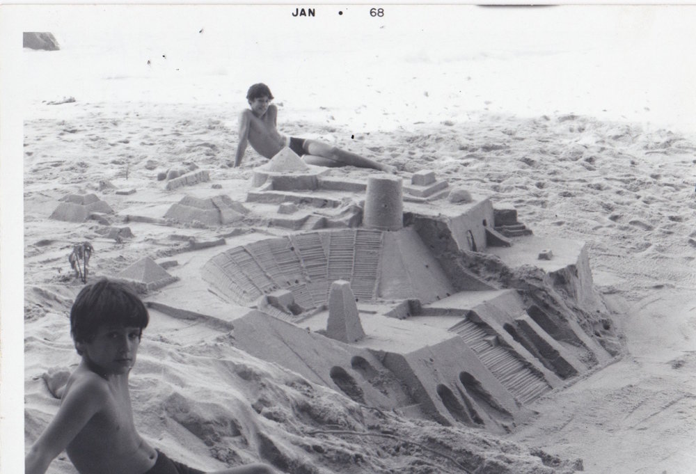 Caio+and+Bruno+Fonseca+with+Gonzalo+Fonseca+Sand+Sculpture,+Mexico,+1968.jpg
