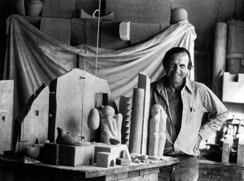 07-Photograph of Gonzalo Fonseca at his studio, 1980.jpg