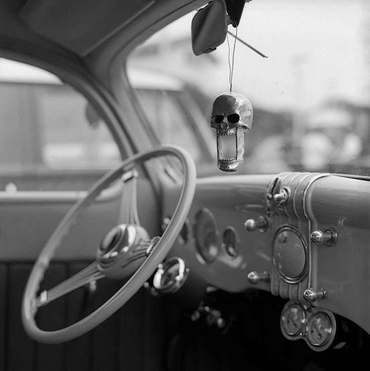 4496bb63dd7d0360b0c4bda7ea98de15--vintage-motorcycles-biarritz.jpg