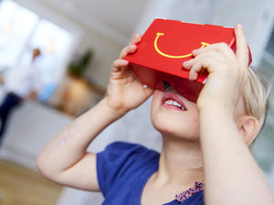 Smooth transition from fast food to VR - VR by fast food.
