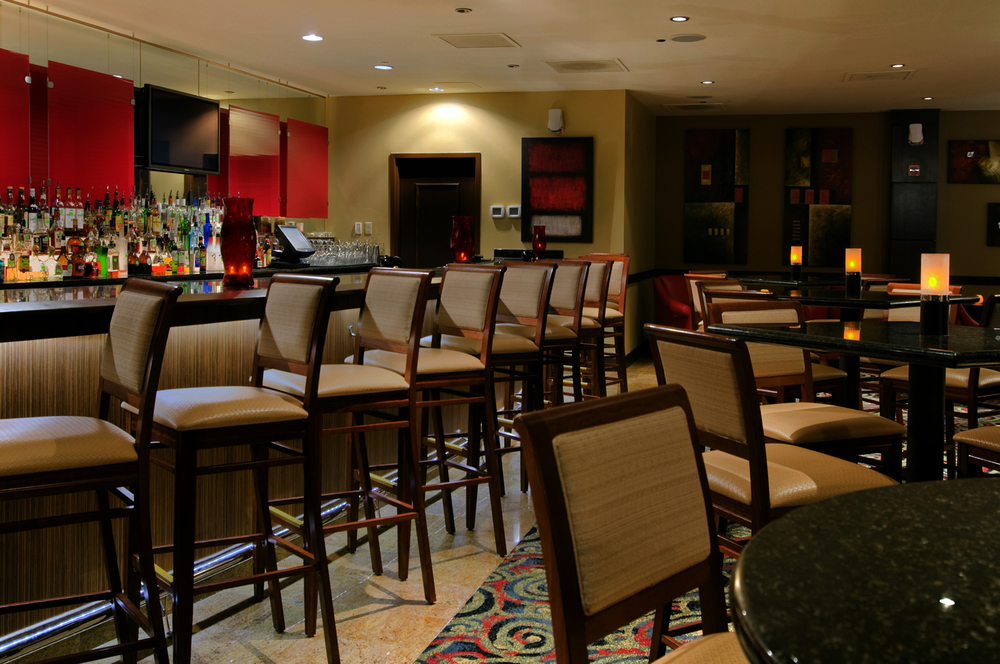 Ruths-Chris-Lounge.jpg