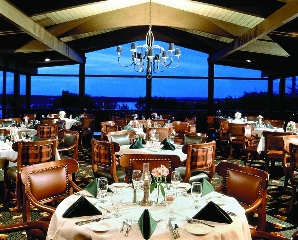 Lakeway Dining.jpg