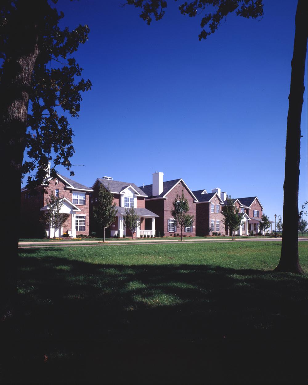 94040 Har-Ber Meadows photo houses.jpg